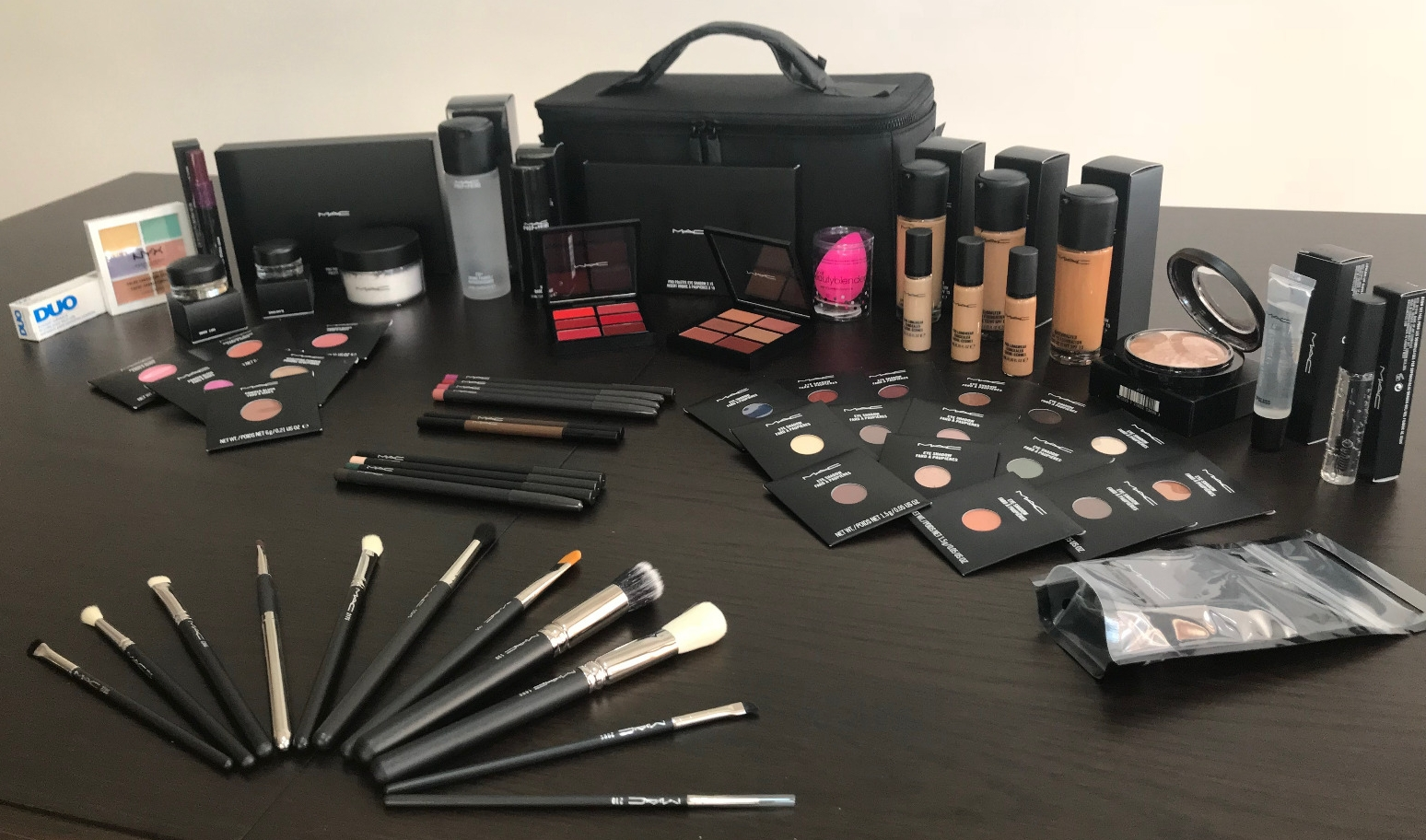 kit mac cosmetics