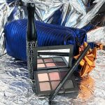 Mac-natale-2018-kit-regalo cofanetto goody bag trucco occhi blue